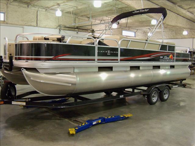 2014 SUN TRACKER 24FT FISH BARGE
