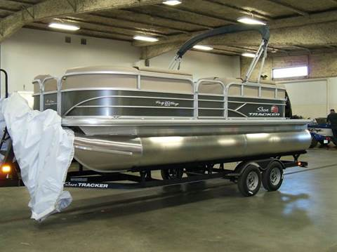 2018 SUNTRACKER PARTY BARGE