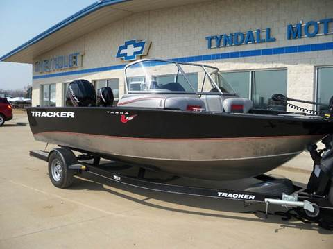 tracker chevrolet cars boats for sale tyndall tyndall motors. Black Bedroom Furniture Sets. Home Design Ideas