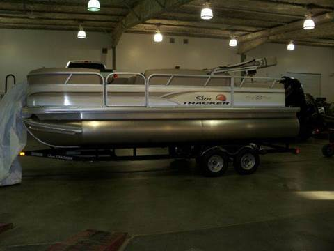 2017 SUNTRACKER PARTY BARGE