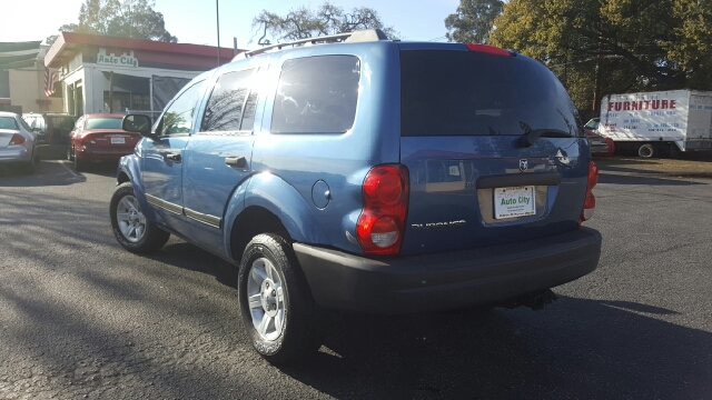 2005 Dodge Durango SXT 4WD 4dr SUV w/ Front, Rear and Third Row Head Airbags - Redwood City CA