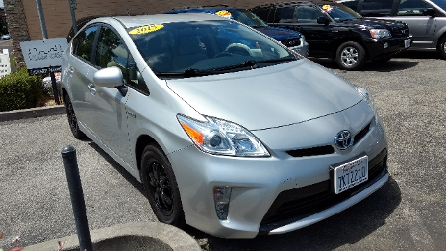 2015 Toyota Prius Two 4dr Hatchback - Redwood City CA