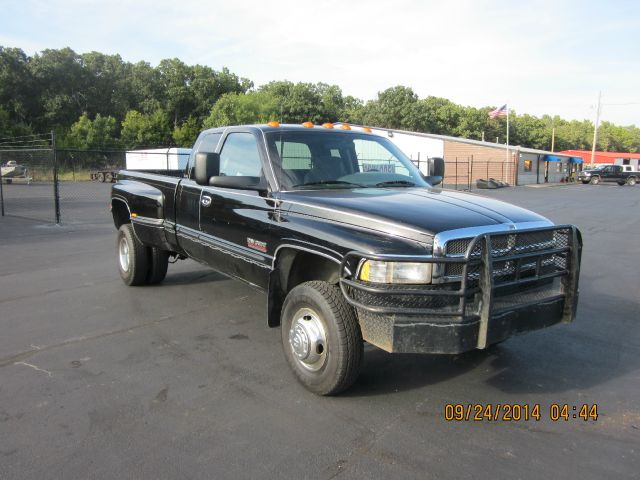 1999 Dodge Ram Pickup 3500