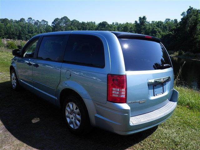 2008 chrysler town and country lx 4dr mini van in saint augustine fl bozard ford lincoln mercury. Black Bedroom Furniture Sets. Home Design Ideas