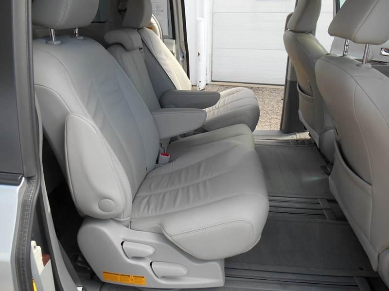 2014 Toyota Sienna XLE 8-Passenger 4dr Mini Van - Jenison MI
