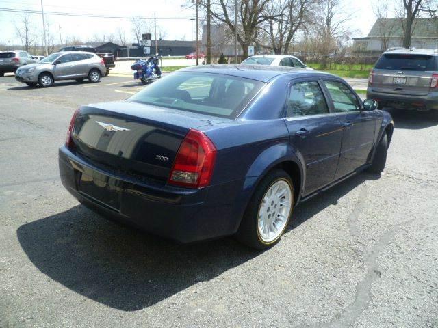 2005 Chrysler 300 Base Rwd 4dr Sedan - Racine WI