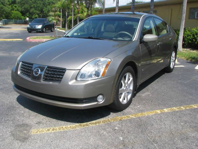 2006 NISSAN MAXIMA SL gold - 2 owners only - clean title - no accidents - carfax  autocheck histo