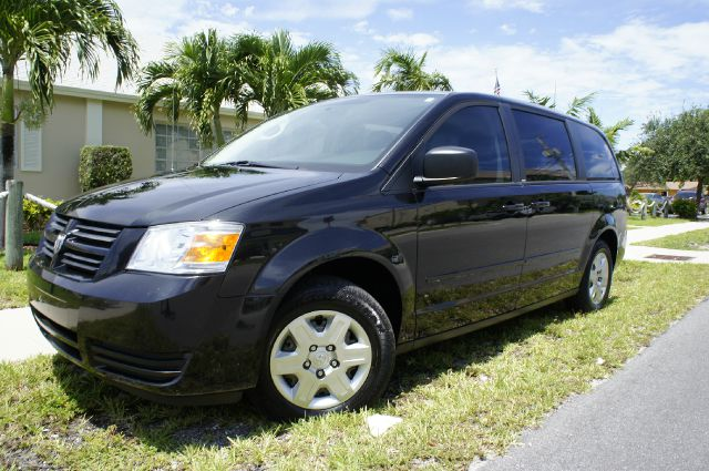 2010 DODGE GRAND CARAVAN SE black - 2 owners only - clean title - no accidents - carfax  autochec