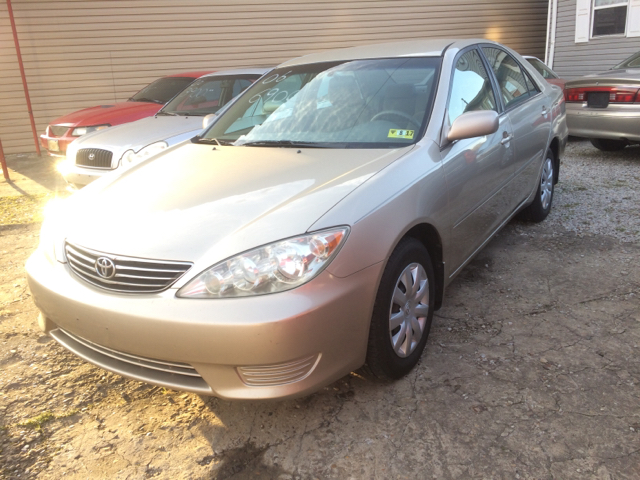 2006 toyota camry le 4dr sedan w automatic in milton wv harold easter motors. Black Bedroom Furniture Sets. Home Design Ideas