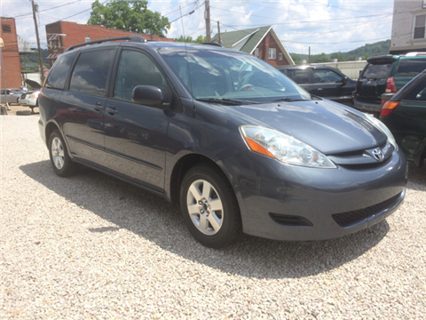 2008 Toyota Sienna for sale in Milton, WV