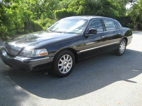 2006 Lincoln Town Car for sale in West Palm Beach, FL