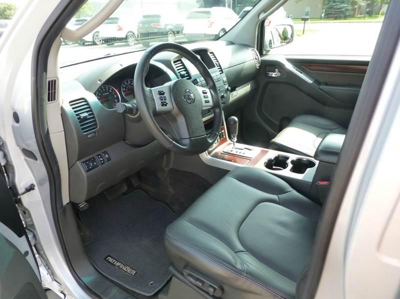 2012 Nissan Pathfinder 4x4 LE 4dr SUV - Holland MI