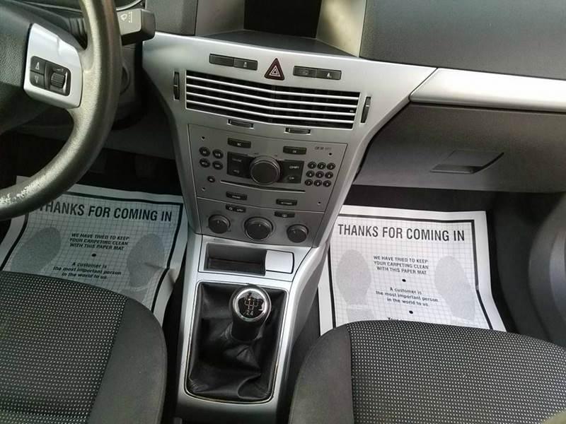 2008 Saturn Astra XR 2dr Hatchback - Madera CA