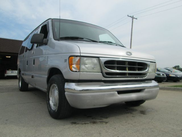 2002 Ford E-Series Wagon