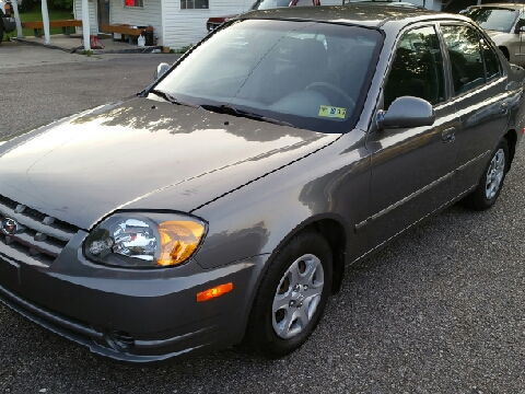 2005 Hyundai Accent for sale in Ona, WV
