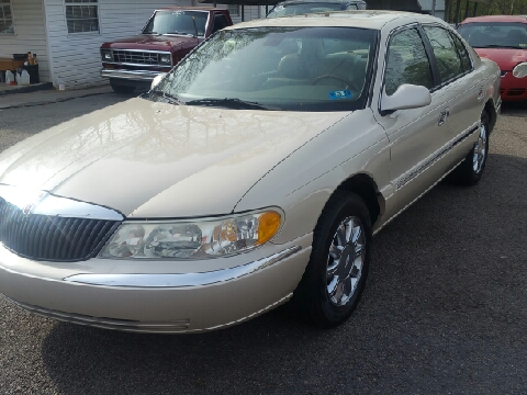 2002 Lincoln Continental for sale in Ona, WV