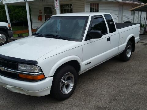 1998 Chevrolet S-10 for sale in Ona, WV