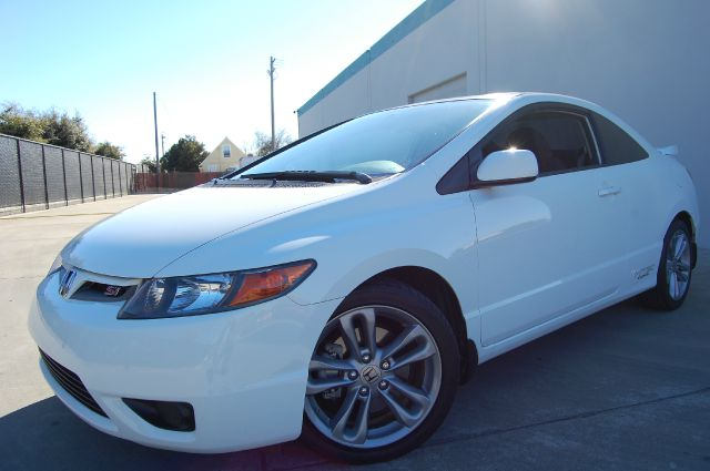 2008 honda civic si coupe with performance tire in hayward. Black Bedroom Furniture Sets. Home Design Ideas