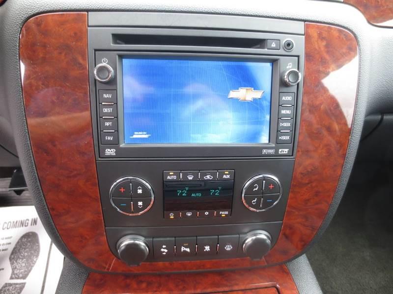 2008 Chevrolet Suburban 4x4 LT 1500 4dr SUV w/3LT - New Holland PA