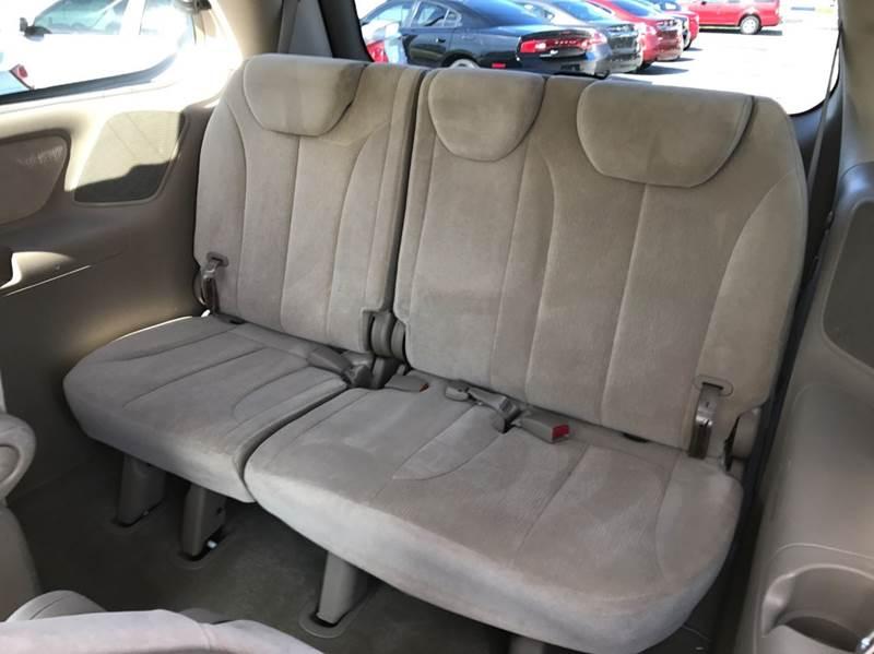 2006 Kia Sedona LX 4dr Mini-Van - Palm Bay FL