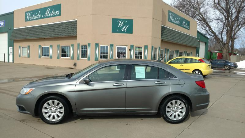 2013 chrysler 200 lx 4dr sedan in orange city ia