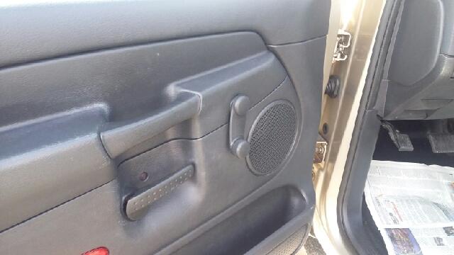 2002 Dodge Ram Pickup 1500 2dr Regular Cab ST 2WD SB - Hickory NC