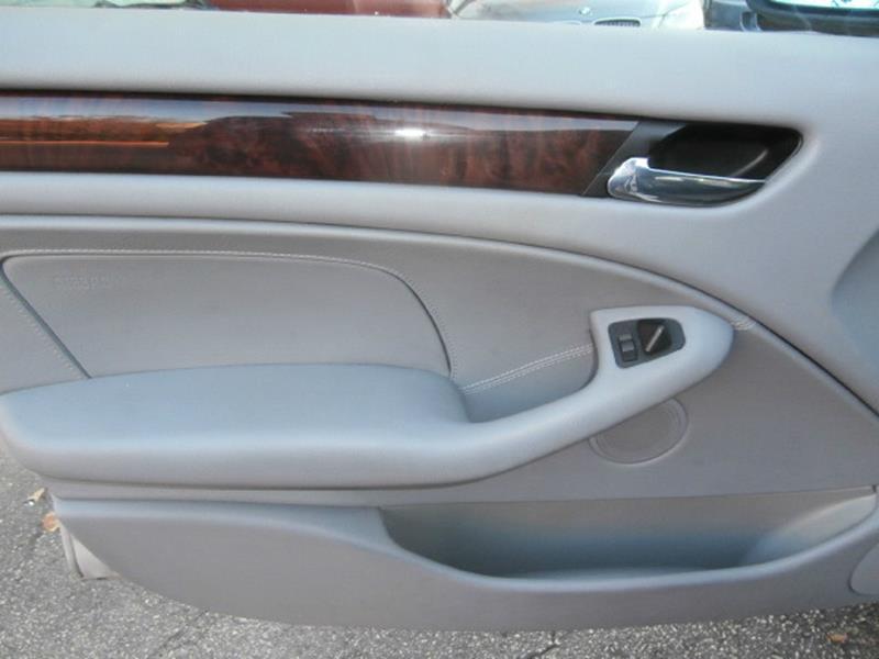 2005 BMW 3 Series 325i 4dr Sedan - Austin TX