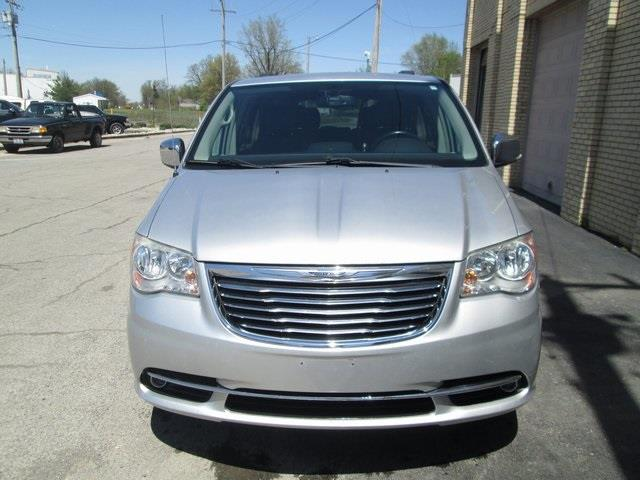 2011 Chrysler Town and Country Touring-L 4dr Mini-Van - Lakeview OH