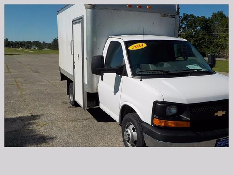 2013 Chevrolet Express Cutaway 3500 2dr 139 in. WB Cutaway Chassis w/ 1WT - Lakeview OH