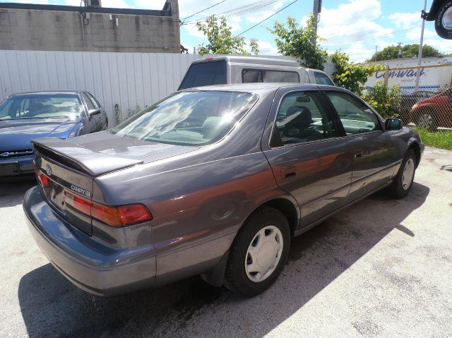 1999 Toyota Camry CE 4dr Sedan - Milwaukee WI