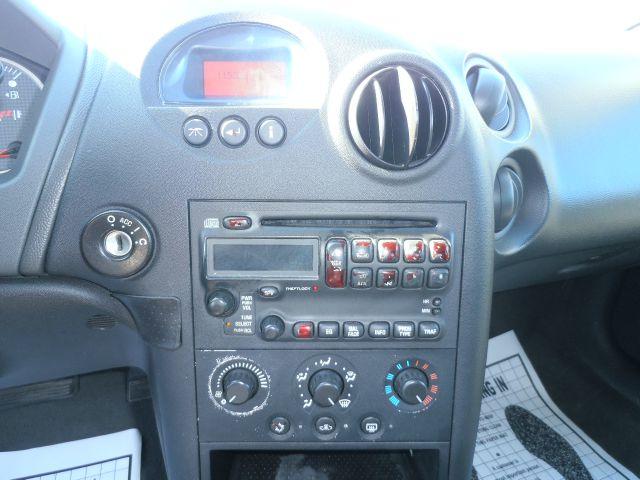 2005 Pontiac Grand Prix 4dr Sedan - Milwaukee WI