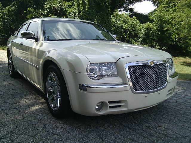 2005 Chrysler 300 for sale in Snellville GA