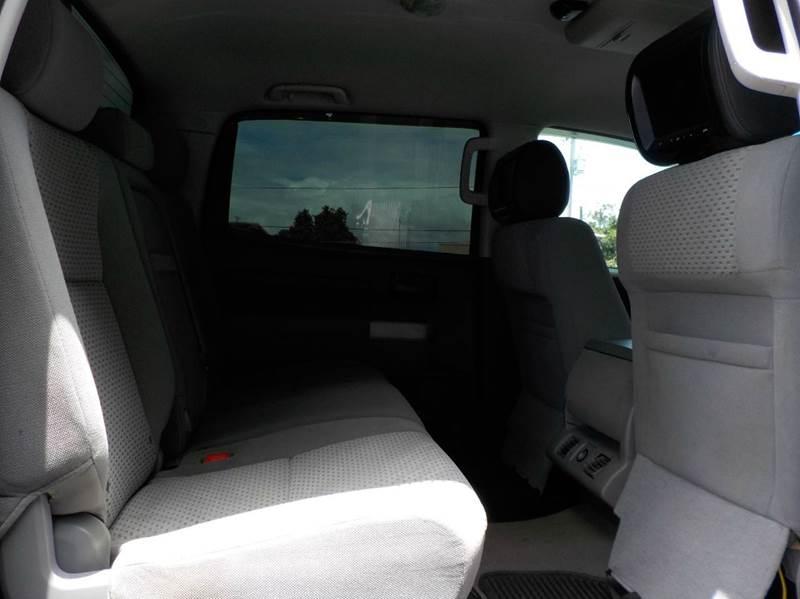2007 Toyota Tundra SR5 4dr CrewMax Cab 4x4 SB (5.7L V8) - Hilo HI