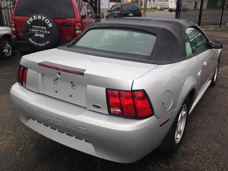 2001 Ford Mustang Deluxe 2dr Convertible - Detroit MI