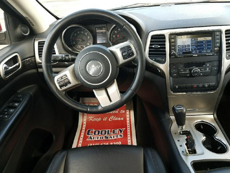 2011 Jeep Grand Cherokee LAREDO - North Liberty IA