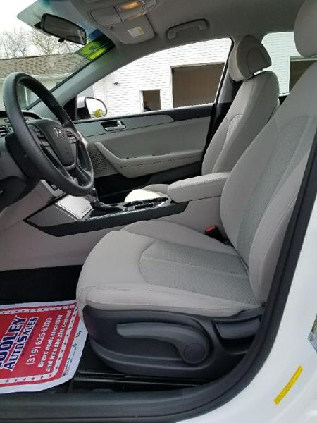 2015 Hyundai Sonata SE 4dr Sedan - North Liberty IA