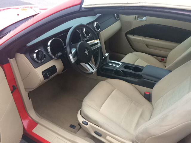2008 Ford Mustang V6 Deluxe 2dr Convertible - Lackawanna NY