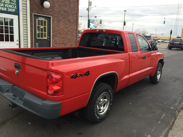 2007 Dodge Dakota ST 4dr Club Cab 4x4 SB - Lackawanna NY