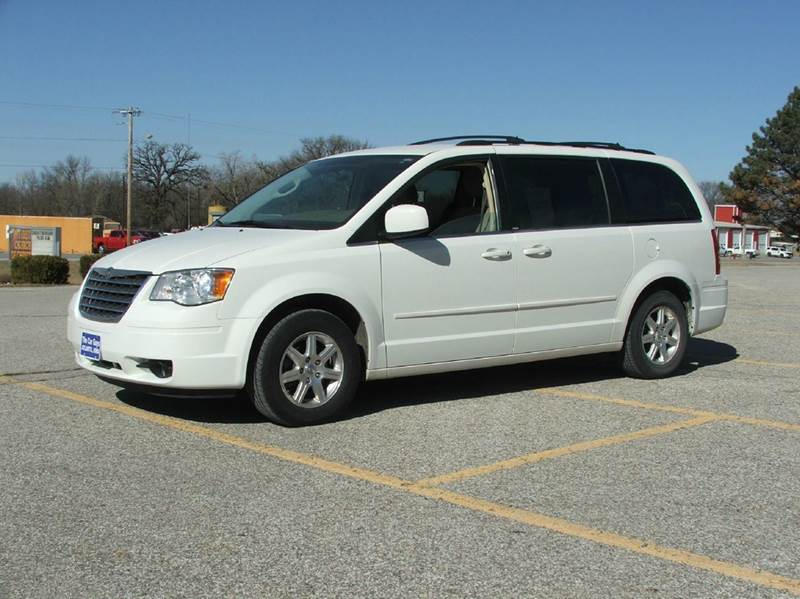 2008 chrysler town and country touring 4dr mini van in atlantic ia the car guys. Black Bedroom Furniture Sets. Home Design Ideas