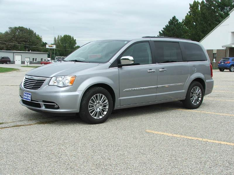 2014 chrysler town and country touring l 4dr mini van in atlantic ia the car guys. Black Bedroom Furniture Sets. Home Design Ideas