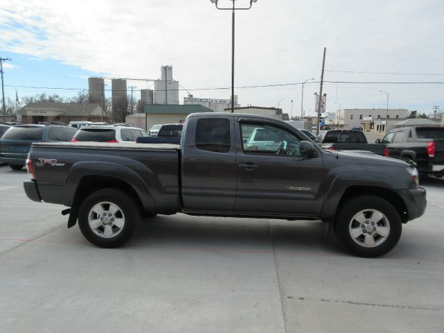 2011 toyota tacoma prerunner v6 4x2 4dr access cab 6 1 ft. Black Bedroom Furniture Sets. Home Design Ideas