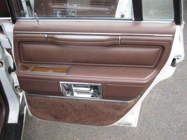 1989 Lincoln Town Car 4dr Sedan - Levittown PA
