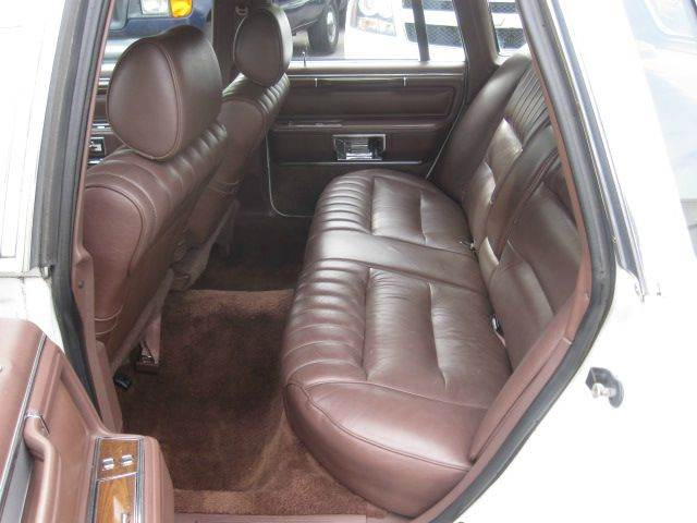 1989 Lincoln Town Car 4dr Sedan - Levittown PA
