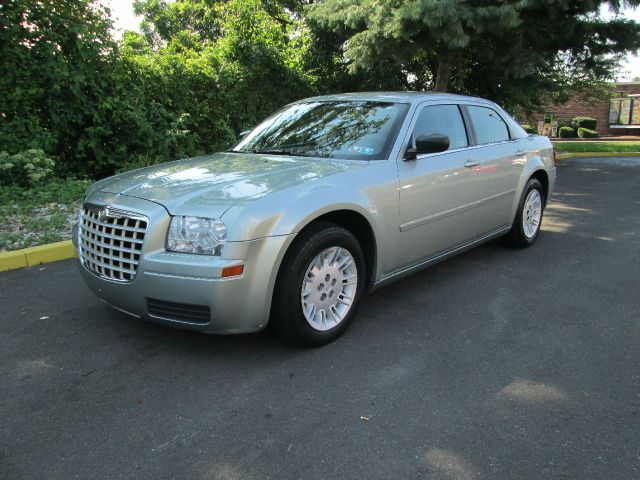 2006 Chrysler 300 for sale in Levittown PA