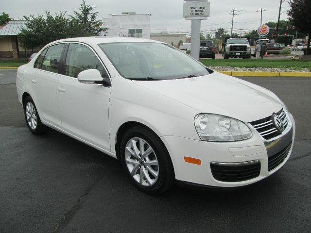 2010 Volkswagen Jetta for sale in Levittown PA
