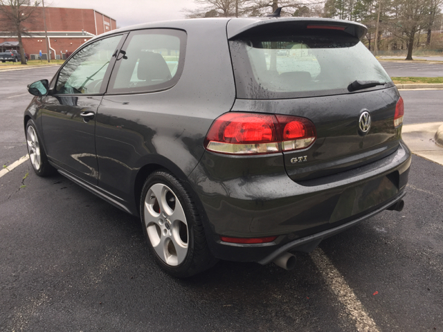 2010 Volkswagen GTI Base PZEV 2dr Hatchback 6A - Virginia Beach VA