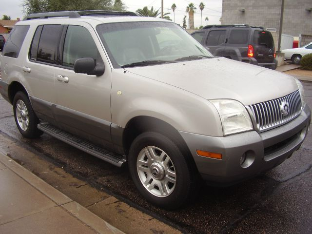 2005 MERCURY MOUNTAINEER BASE 4DR STD SUV silver abs - 4-wheel axle ratio - 355 center console