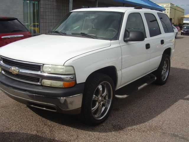 2004 CHEVROLET TAHOE LS 4WD 4DR SUV white abs - 4-wheel anti-theft system - alarm axle ratio -