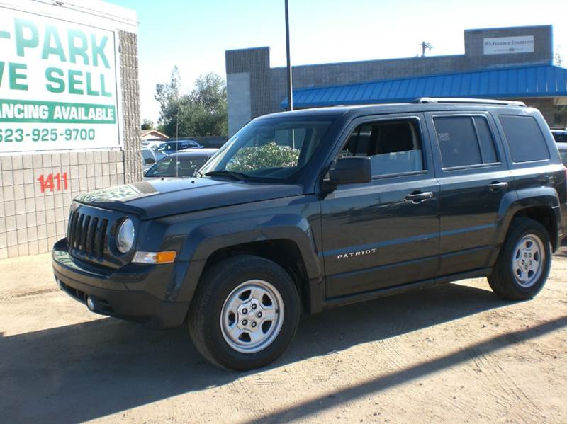 2014 JEEP PATRIOT SPORT 4DR SUV 2-stage unlocking abs - 4-wheel active head restraints airbag d