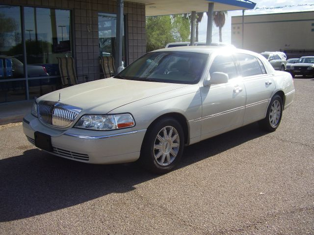 2007 LINCOLN TOWN CAR SIGNATURE LIMITED 4DR SEDAN white 2-stage unlocking - remote abs - 4-wheel